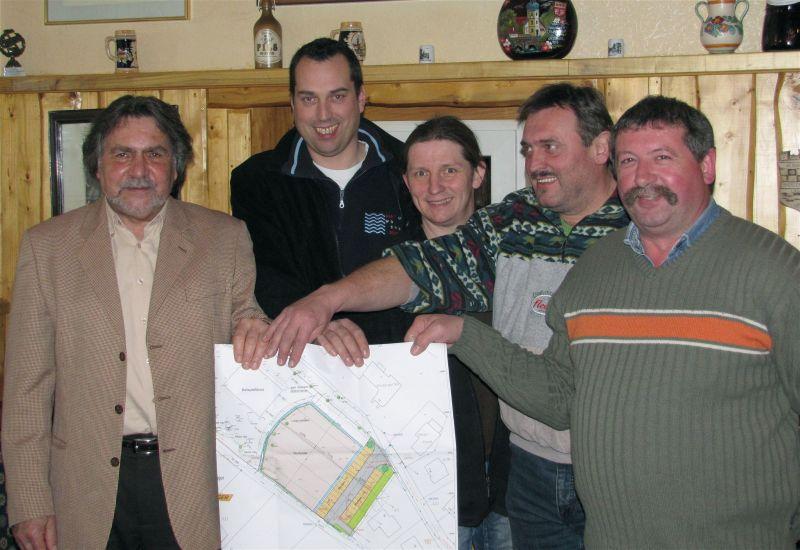 Der zentrale Dorfplatz in Mittelagger – Zukunft gemeinsam meistern