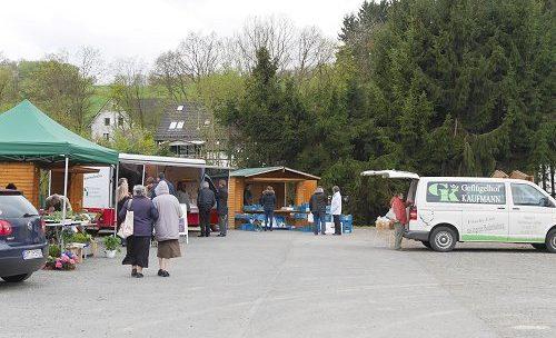 Erster Dorfmarkt in Mittelagger